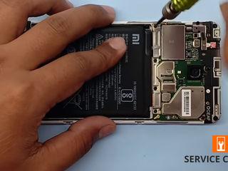 Xiaomi RedMi 5  Nu ține bateria telefonului. Noi ți-o schimbăm foarte ușor!