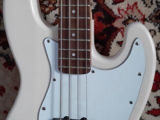 Gitara bas