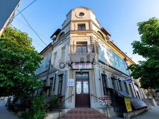 Chirie oficiu, zonă dezvoltată, Centru, 2000 € !