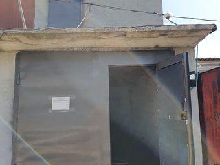 Продаю гараж 2-ух этажный котелец! / Vind garaj cu 2 etaje , subsol !