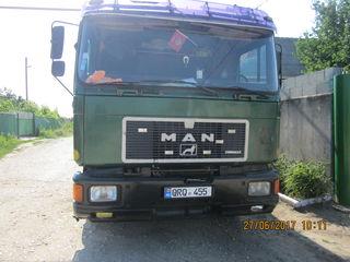 Man 24372