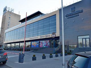 Chirie spațiu comercial! Centru, str. Albișoara, 500 m2! Prima linie!