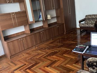 Продаеться квартира в Рышканах