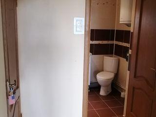 Se vinde apartament, semidecomandat, 4 camere, in zona strazii Gradinilor, sect. Centru