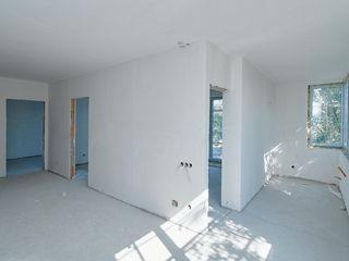 3 dormitoare separate bucătarie + living/ 80 mp /  bloc nou /  etaj 6
