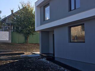 Casa stil hi- tech 160 m 45000 euro la intrare în budesti