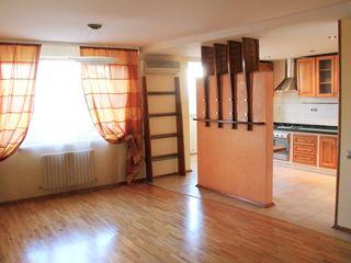 Buiucani, Belinski! Bloc nou, 5 camere, euroreparatie, 2 nivele, mobilat si utilat. 83 000 €