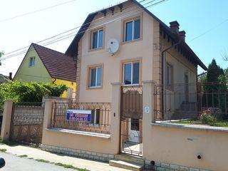 Se vinde casă în 3 nivele 175 mp. sec.Schinoasa ,Str.Pădurilor 9