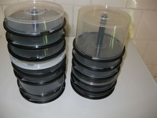 Коробочки / боксы для дисков 5 леев 1 коробочка