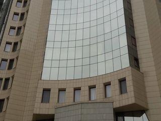 Пентхаус  в центре города (bd.Stefan cel Mare) между Российским Посольством и Парламентом Молдовы