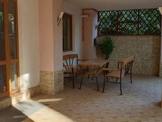 Casa in chirie , buiucani-  650 euro, curte separata, loc pentru parcare