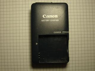 Încarcator  pentru foto aparate Canon, model CB-2LVE, in stare buna. Pret: 50 lei