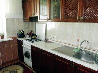 Ciocana, apartament cu 2 odai,Mircea cel Batrin --200 euro
