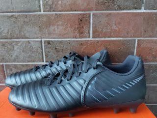 Bute si bampuri de fotbal si de sala originale aduse din anglia bute de fotbal sunt marimi