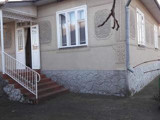 Vind casa sau schimb pe apartament in Balti!
