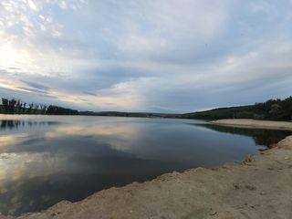 Срочно,первая линия от озеро,лес,солидные соседи