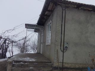 La 10 km de orasul balti in satul pirlita