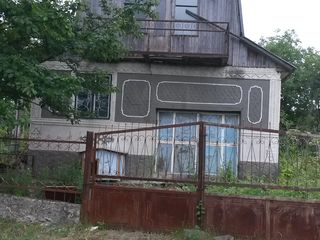 Se vinde casa de vacanta. Lotos 1 sau schimb