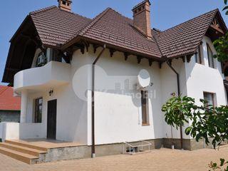 Casă cu 2 nivele, reparație euro, 350 mp, Râșcani, 195000 € !