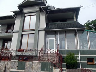 Casa -  lux +  bazin, sauna-- 1000 euro/ lunar sau vindem