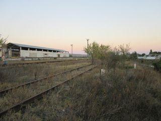 Chetrosu. Încăperi 3200 m2 pe lot  1,88 ha alături de calea ferată și traseul Chișinău-Anenii Noi