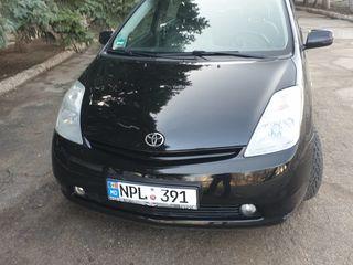 Arenda Toyota Prius chirie masini. Procat auto prokat afto