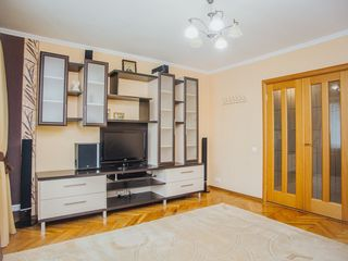 Apartament superb cu 3 camere str.Independentei