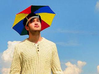 Accesoriu comod si practic, umbrela pentru cap! Зонтик-шапка!