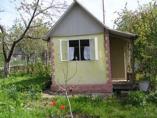 Дачный участок 6 соток, с летним домиком.