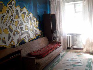 Продается 3-х комнатная квартира в районе Жубилеу г. Кагул