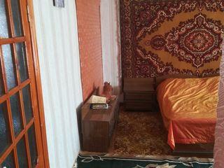 Casa in suburbie,15 km la Chisinau, 5 km la Goianul Nou, 30 ari