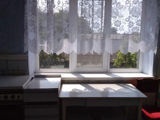Продается трехкомнатная квартира в Единцах район химчистки без евроремонта, все удобства