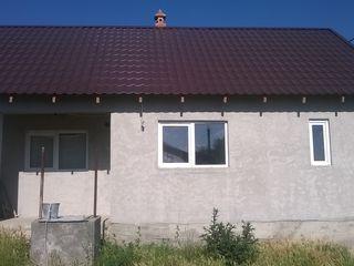 Se vinde casa in floreni 16000