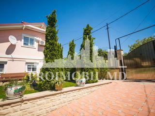 Casă de vânzare în Dumbrava, cu suprafața de 100 mp + 13 ari, 2 nivele