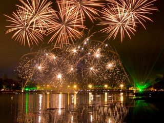 Фейерверки,салюты, artificii pyroshow купола