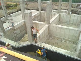 Facem fundații pentru case, garduri, blocuri locative, garaje !