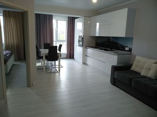 Se oferă spre chirie apartament cu 1 cameră + living, sec.Centru, str. Tuor Strișcă