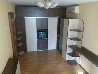 Продается 2-х комнатная квартира индивидуальной перепланировки!