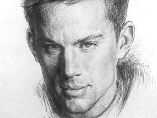 Подарок портреты на заказ portrete alb negru creion sau ulei pinza puteti suna pe vaiber whatsapp