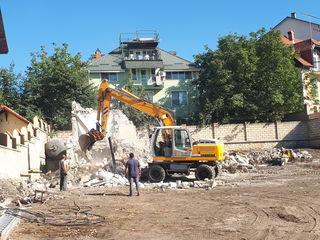 Servicii de demolare a construcțiilor