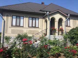 Casa de vinzare in Falesti ,