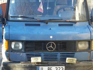 Mercedes 210D