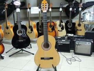 Классическая гитара Colombo  - 1550 лей в упаковке !