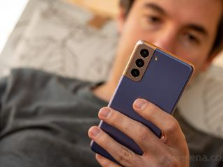 Samsung Galaxy S21 in credit 0%! Reducere de pina -5%!
