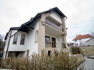 Vânzare casă 500 mp, 3 nivele, reparație euro, teren 8 ari, Dumbrava!