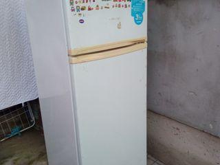 Frigider cu congelator