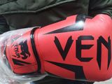 Боксерские перчатки Venum новые