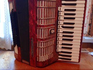 Продаю аккордеон Weltmeister Diana