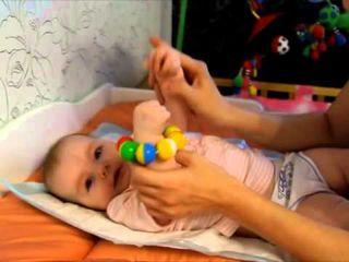 Обучение малыша от трех месяцев