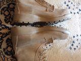 продам песочные ботинки один раз обували